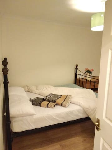 Double room in a 3 bedroom house - lovely village