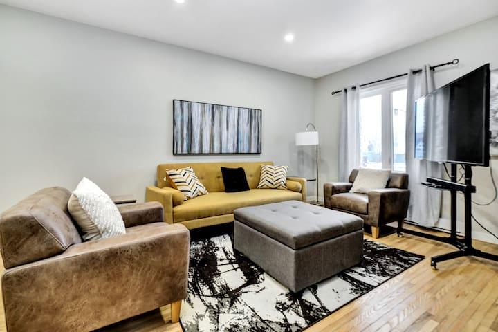 Modern family home in Byward Market