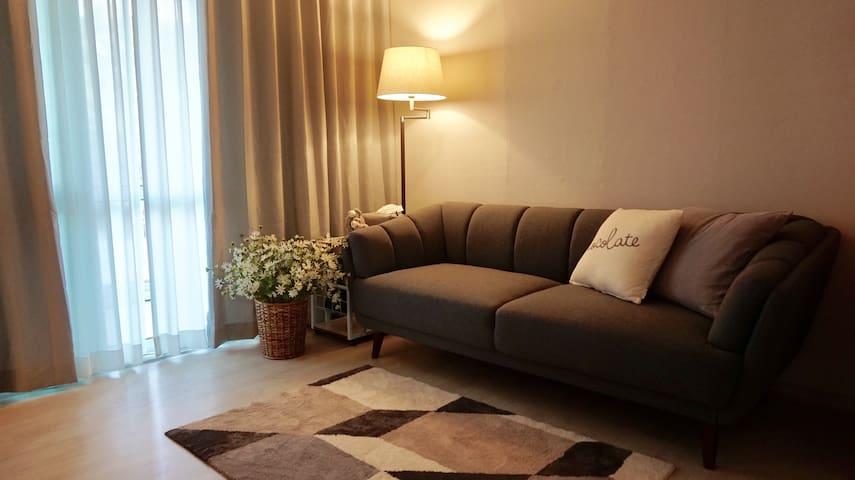 Suzy's Cozy & Clean house / 깨끗하고 편안한 숙소