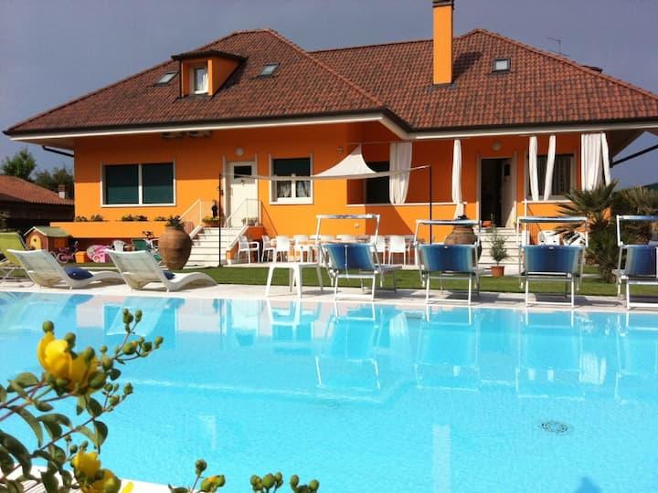 Villa di prestigio con piscina