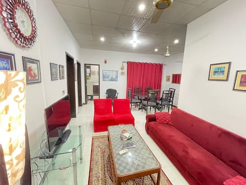 Executive 2 bedrooms serviceable apartment