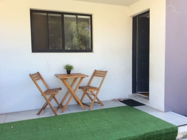 2 bedroom apartment 1 min from Collaroy beach