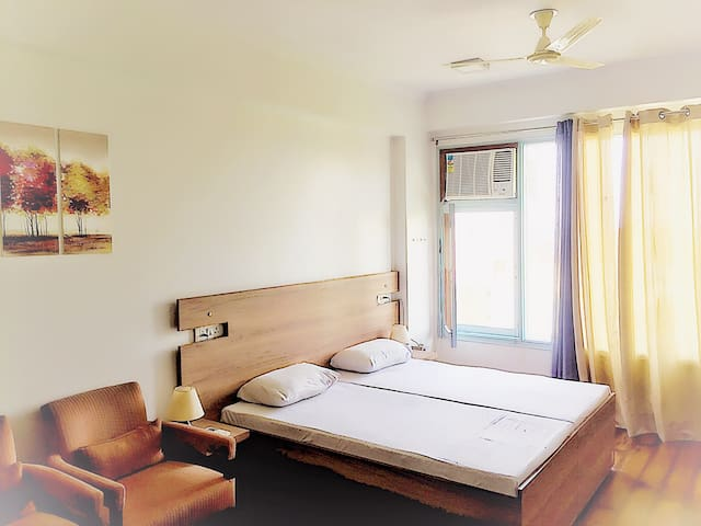 Fully Equipped & Serviced Studio Nr. Delhi Airport