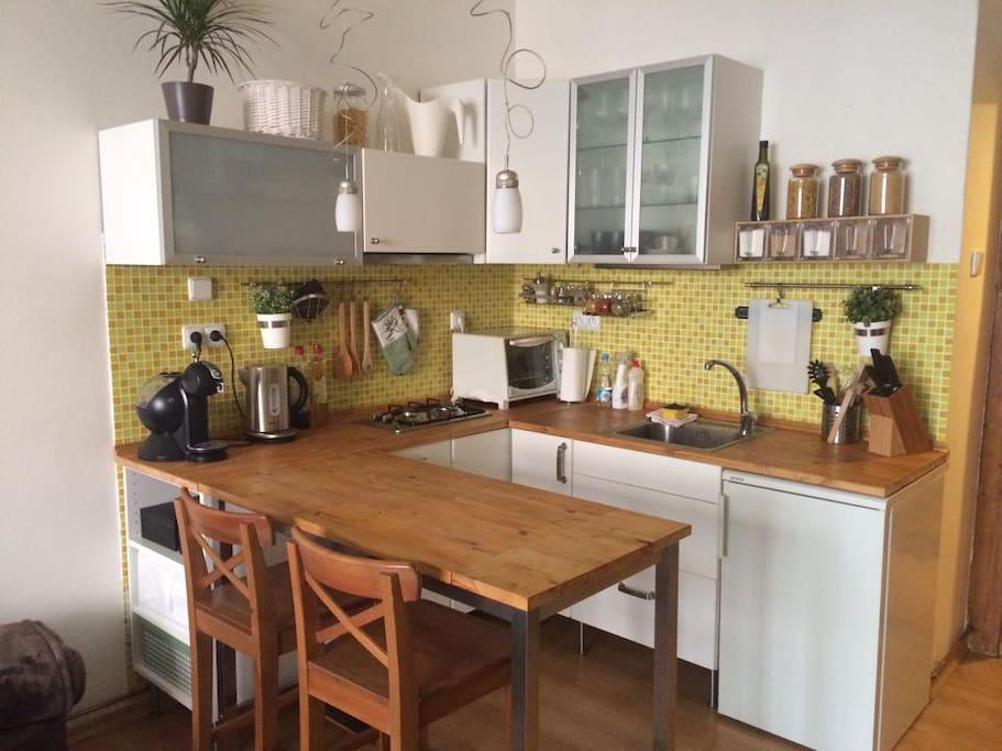Kitchen corner with bar