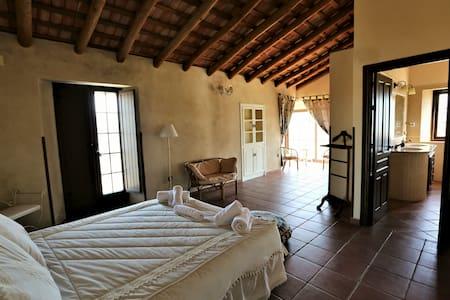 Hacienda Escutia El Búho Real, Vía Verde - Cazalla de la Sierra - Дом