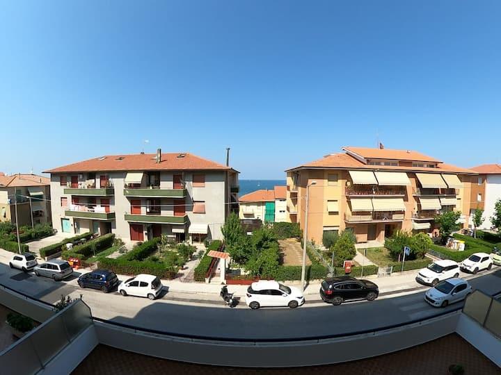 Appartamento115 mq vista mare 200mt dalla spiaggia