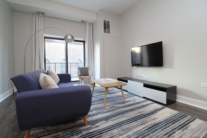 South Loop Luxury Suite No.4 by Zencity