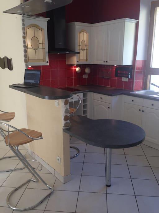 Open-plan kitchen / cuisine américaine