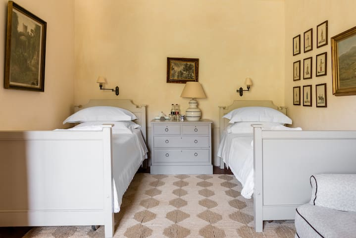 Bedroom 10