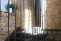Escalier d'accès au gîte
