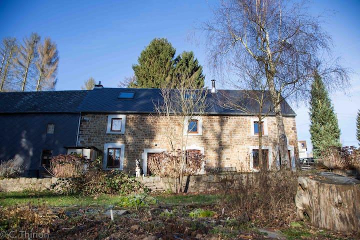 Maison restaurée en pierres du pays - Gesves