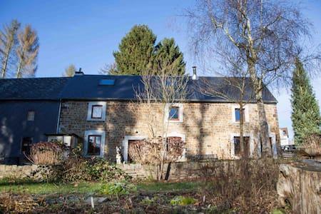 Maison restaurée en pierres du pays - Gesves - House