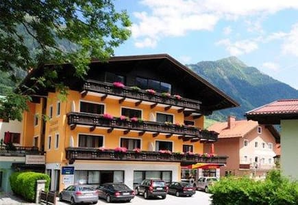 Schlossalm Appartements - Bad Hofgastein - Appartement