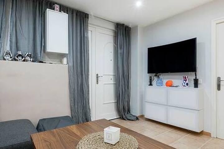 Espectacular y moderno apartamento a 60m del mar