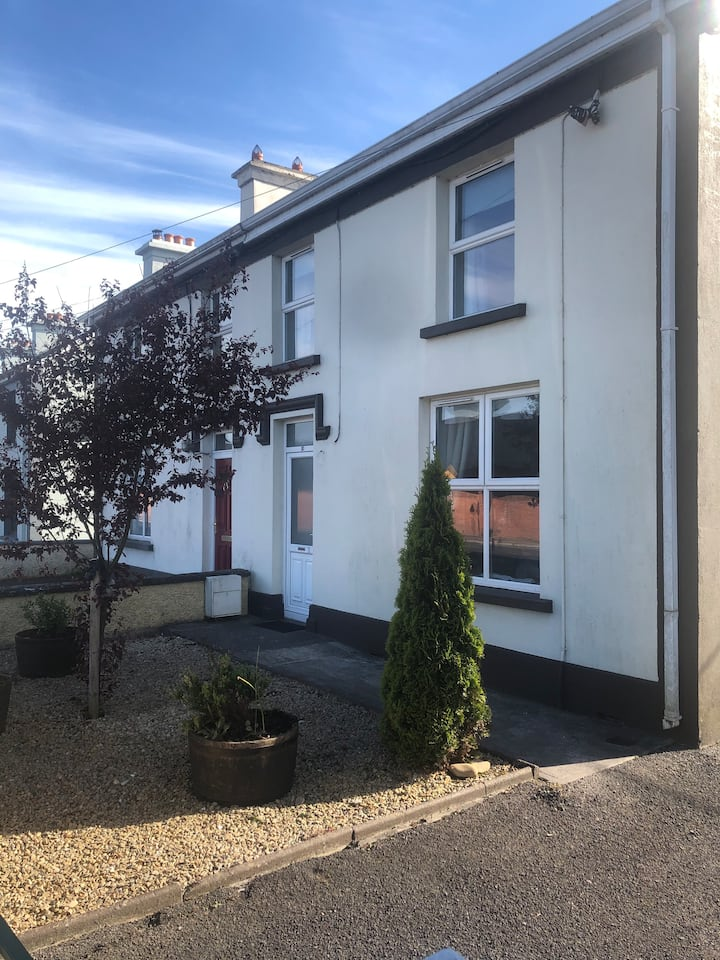 Cosy & comfortable town house with great location!