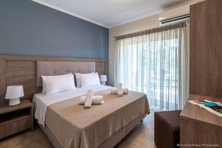 Elegant Laganas 2 bedroom w/garden & pool access-2