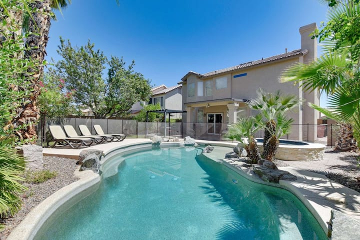 FREE GOLF & MORE! Private Heated Pool/SPA-NO Extra Fee, Pool Table, BBQ, Great for Entertaining!