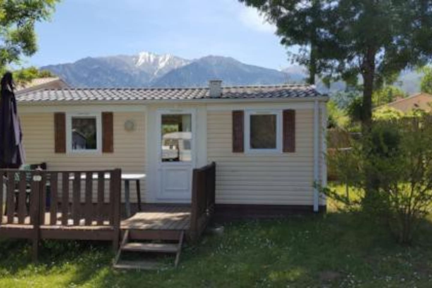 Mobilehome op camping le rotja