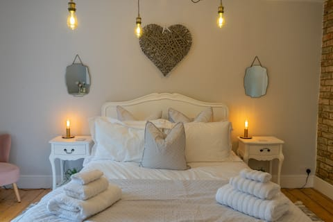Chic Cosy Cottage With A Home From Home Stay Away