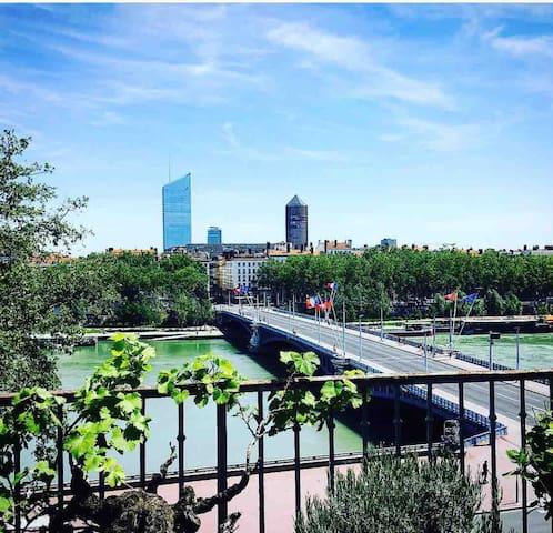 Appartement, cœur de Lyon avec terrasse et jacuzzi