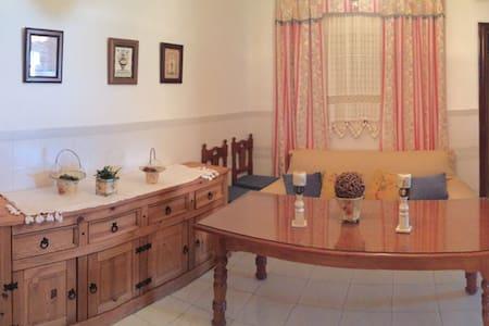 Se alquila piso en Marchena - Apartament