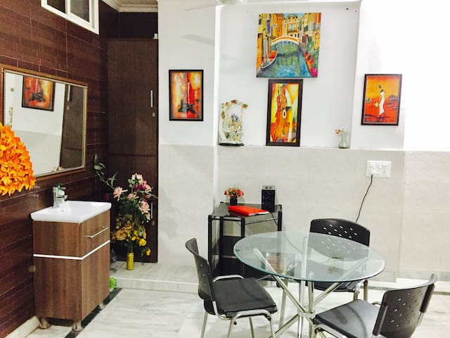 Solace Apartment - New Delhi - Appartement