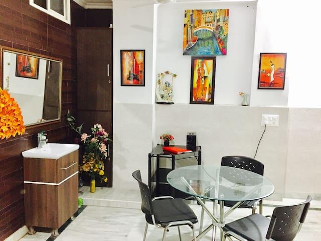 Solace Apartment - New Delhi - Lejlighed