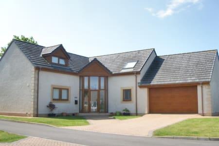 Spacious Modern Family Home near NW Lake District - Gilgarran