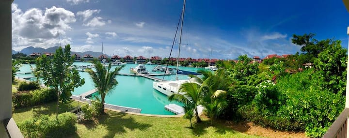 Stunning First Floor Apartment - Eden Island