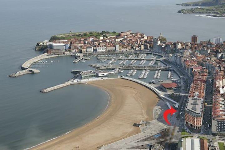 Apartamento Playa de Poniente en Gijón
