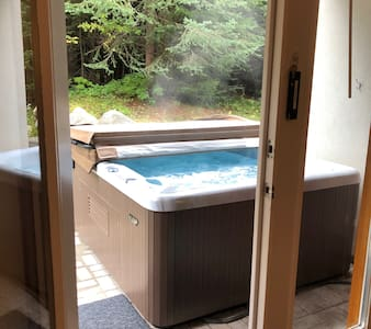 17 Timberline-PRIVATE HOT TUB,SKI IN/main flr