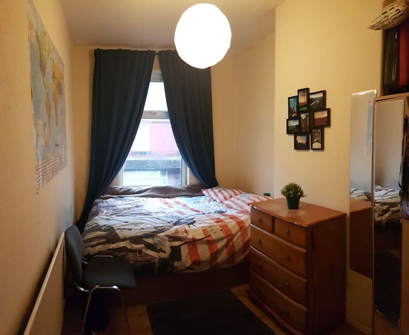 bed room furniture cosy bedroom 10min to the center in affitto a 10247