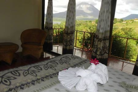 Hotel Castillo, Volcano Lake View.