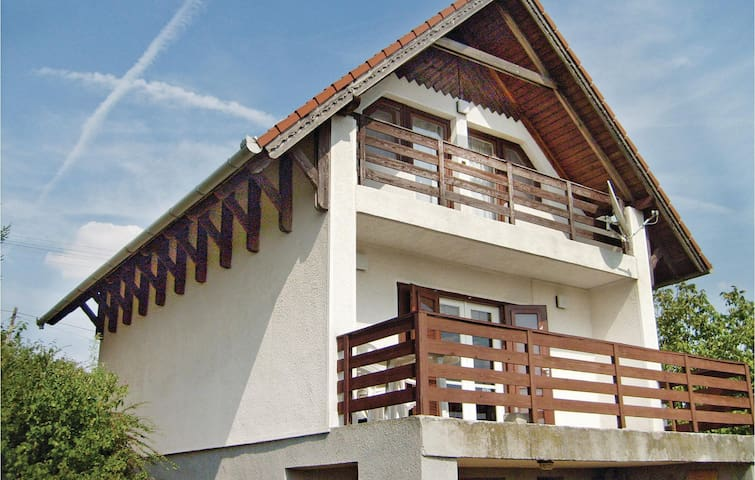 Holiday cottage with 3 bedrooms on 100 m² in Velence