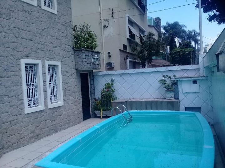 Casa próxima a praia com piscina