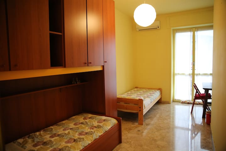 Double bedroom near Cenisio MM