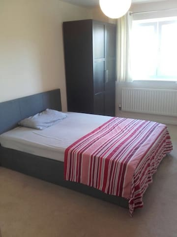 One double bedroom, Erith