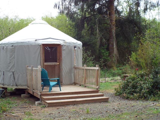 Yurt on Willapa Bay - South Bend - Rundzelt
