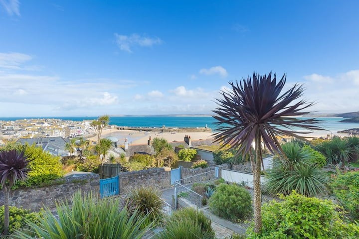 High Noon, St Ives – Sleeps 8 – Sea and Harbour Views – Pet Friendly – Off Site Parking for One Car
