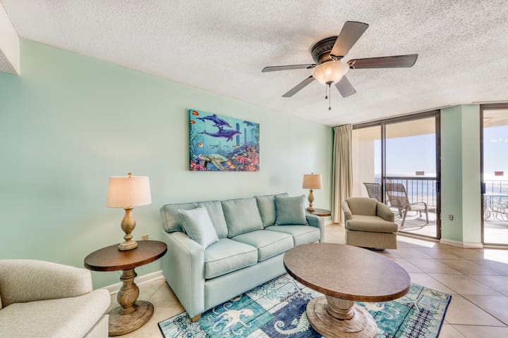 Freshly updated condo w/ beach access, indoor pool, and free WiFi!
