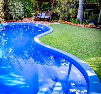 Shanti Garden Retreat-relax in a tranquil setting