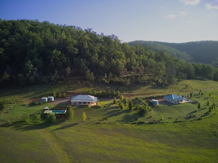 Gypsy Willows Luxury Hunter Valley Property, Pools