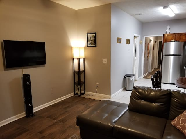 3 / 1 apartment just minutes from the MB stadium