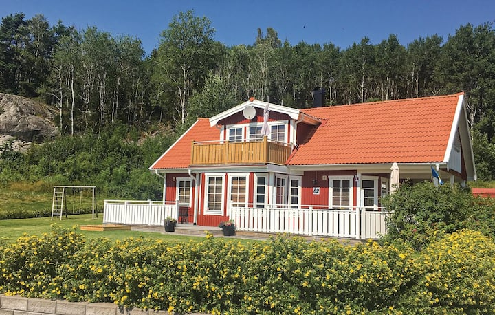 Nice home in Strömstad with Sauna, WiFi and 3 Bedrooms