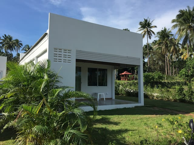 Sun Sea Air Bungalows (Villa 1)
