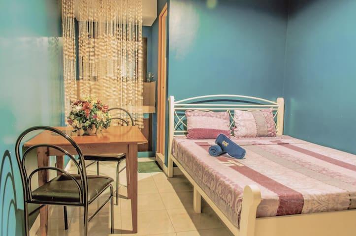 The Villa Khristalene Resort - Superior Room - Talisay - Vila