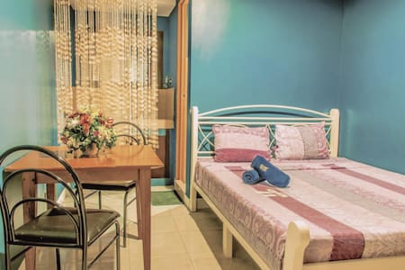 The Villa Khristalene Resort - Superior Room - Talisay - Villa