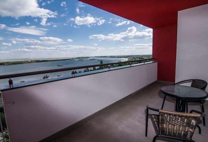 Linda residence, Apt.21F. Fine view on Danubius. - Galați - Apartamento