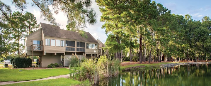 Nice 1 BR Condo in New Bern NC Sleeps 4