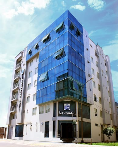 Laurent´s Hotel Habitación Matrimonial - Los Olivos - Hostel
